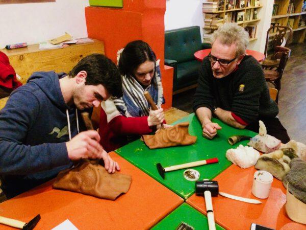 ILE - Taller de Fabricación de máscaras de la comedia del arte en Valencia 8
